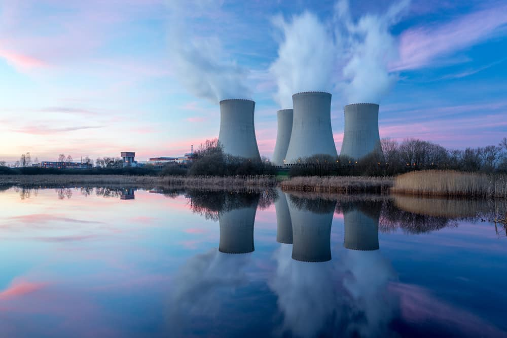 centrales nucleaires qui fument