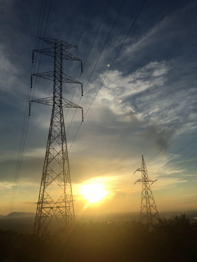 poteau electricite coucher de soleil