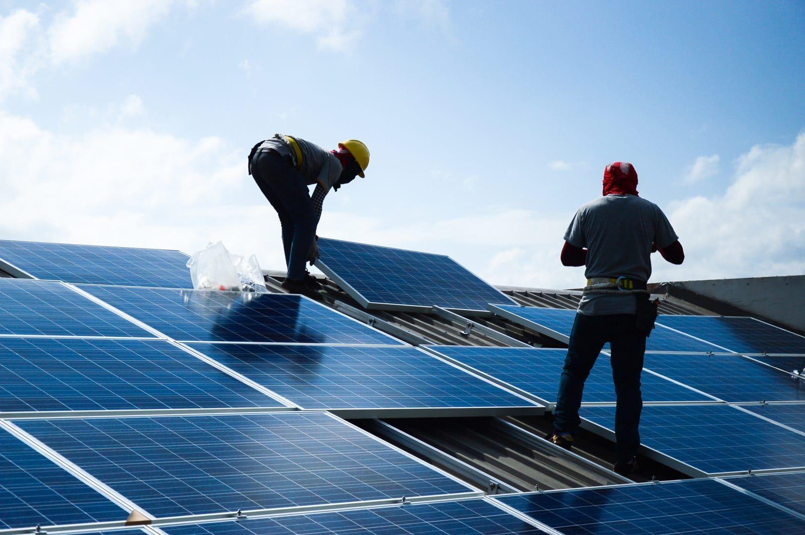 panneaux solaires sur toitures